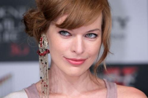Kehamilan Milla Jovovich Tunda Produksi