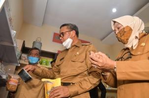 Gubernur Resmikan Pojok Pangan dan Pasar Bebas Ongkir